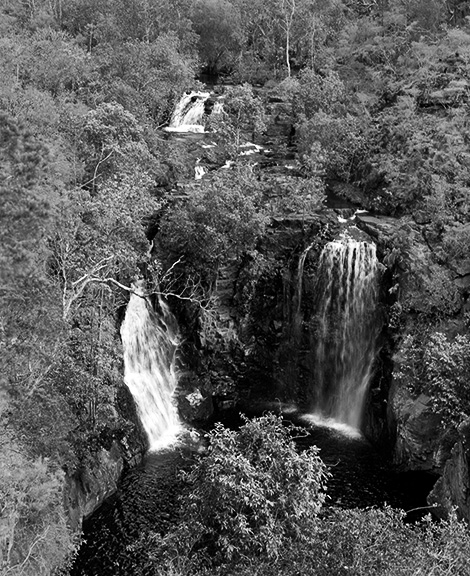 http://www.conorwootenphoto.com/files/gimgs/34_litchfieldwaterfall2edit.jpg